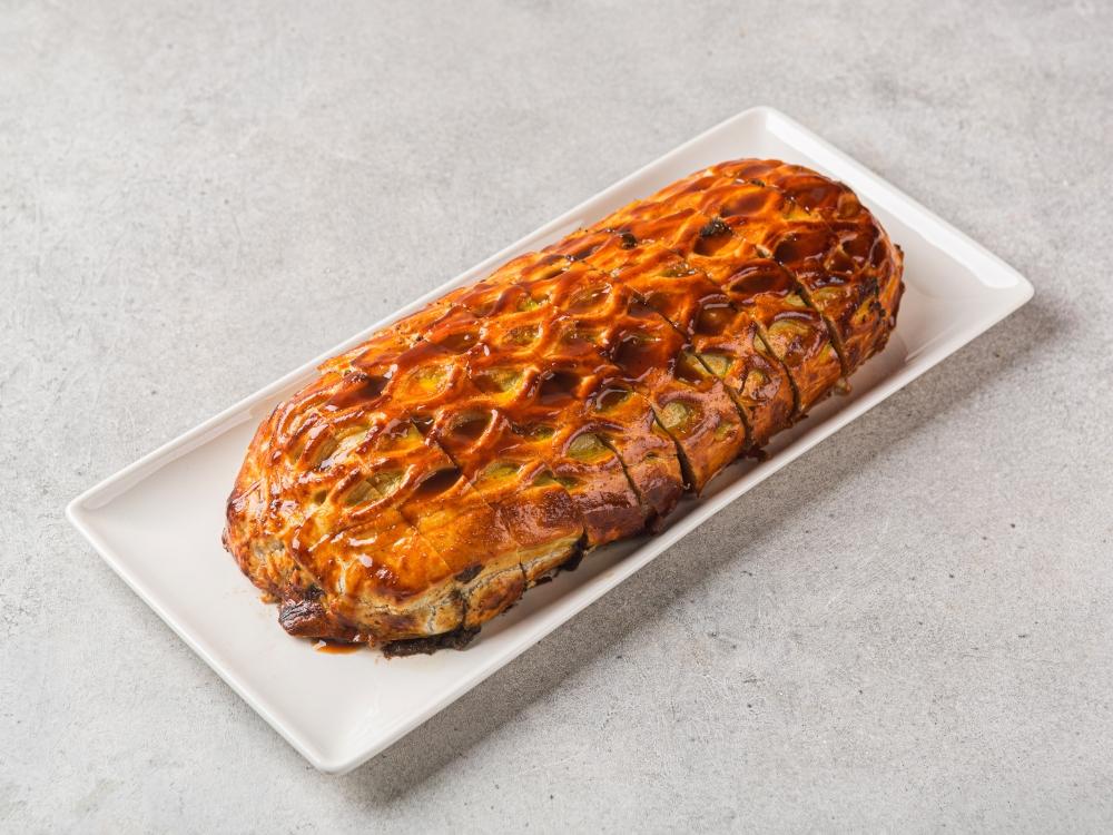 Говядина Веллингтон с трюфельным соусом и картофельным гратеном