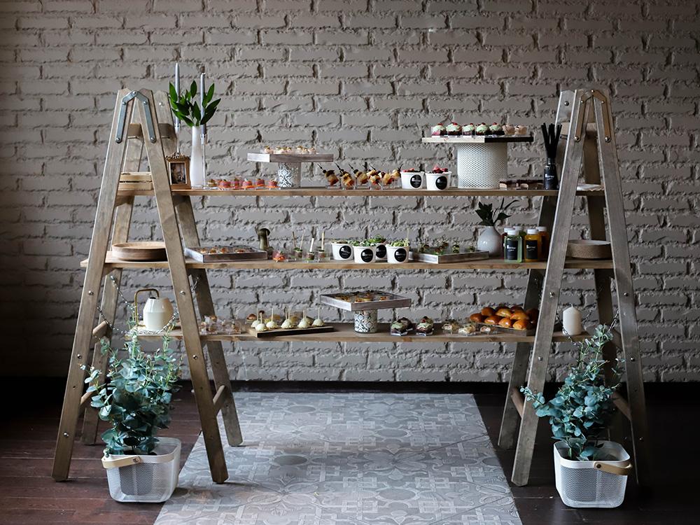 Деревянная лестница или столешница на ножках (180см/80см/70см) в аренду