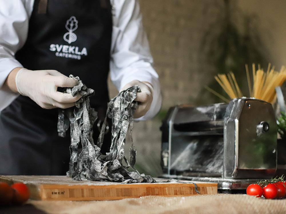 Тальятелли неро с морепродуктами